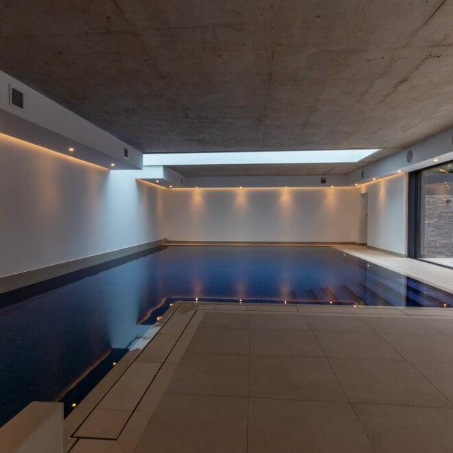 Indoor swimming pool Ware