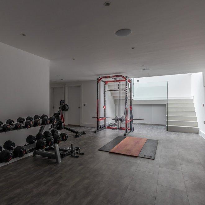 minimalist construction