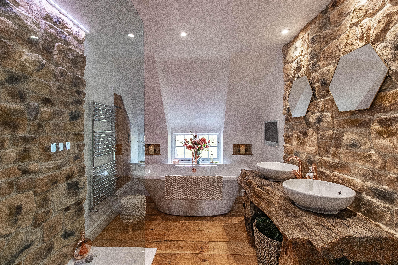 Bathroom2-LouiseTPhotography